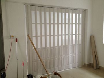 China Custom Accordion Folding Doors Interior With Hard   Joint Connection  Distributor